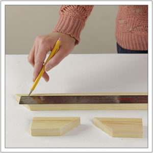 Crown-Molding-Shelf-by-Build-Basic---Step-2-copy