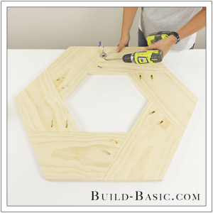 diy round mirror frame by build basic step 8