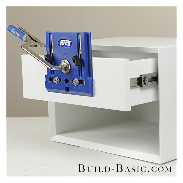 How to use a kreg cabinet hardware jig build basic for Building kitchen cabinets with kreg jig
